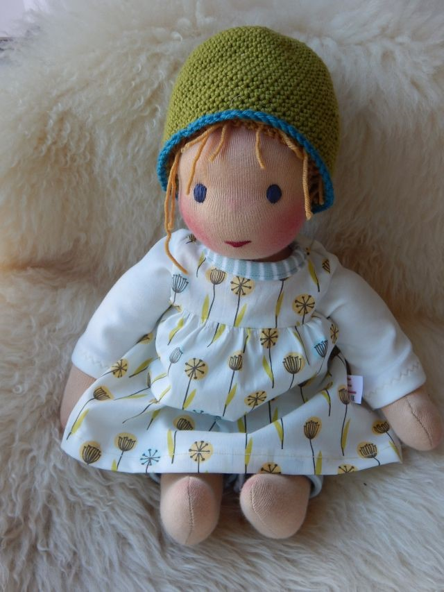 Bio-Stoffpuppe, Waldorfpuppe, handgemachte Puppe, Handarbeit, handgefertigt, Puppenhandwerk, Pärsch, ökologische Kinderpuppe, erste Puppe, Puppenfreundin, individuelle Puppe passend zum Kind, Wunschpuppe, Puppe nach Wunsch,