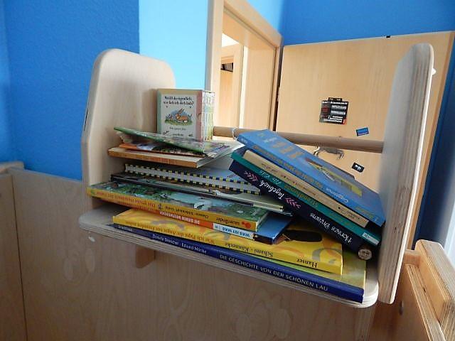 Hochbett, selbstgebaut, handgefertigt, handgemacht, Kinderbett, Bücherregal