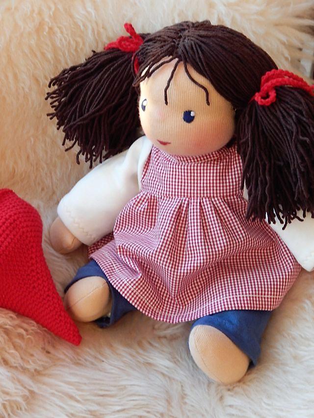 Bio-Stoffpuppe, Schlamperle, ökologische Kinderpuppe, handgemachte Puppe, Handarbeit, Kuschelpuppe, Waldorfart, individuelle Puppe passend zum Kind, Wunschpuppe, Puppenhandwerk Pärsch, erste Puppe, Puppenbegleiterin