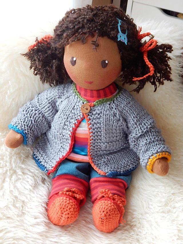 Bio-Stoffpuppe, Gliederpuppe, ökologische Kinderpuppe, handgemachte Puppe, Handarbeit, afrikanische Stoffpuppe, dunkelhäutige Puppe, afro-amerikanische Puppe, Waldorfart, individuelle Puppe passend zum Kind, Wunschpuppe, Puppenhandwerk Pärsch