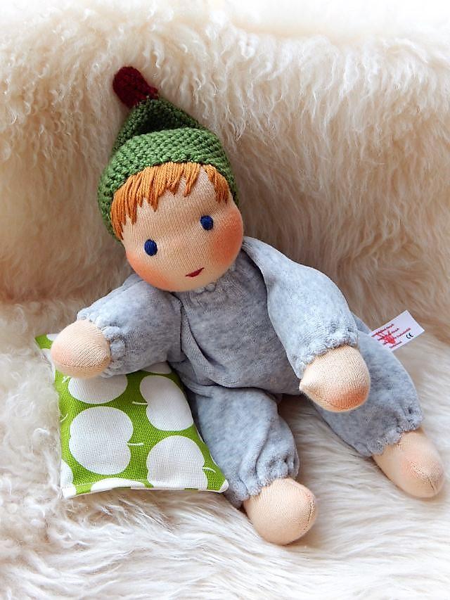 Kleinkindpuppe, erste Puppe, Erstlingspuppe, Stoffpuppe nach Waldorfart, individuelle Puppe passend zum Kind, handgemachte Stoffpuppe, Wunschpuppe, ökologische Kinderpuppe, bio-fair, Puppenfreund, Kuschelpuppe, Schlamperle