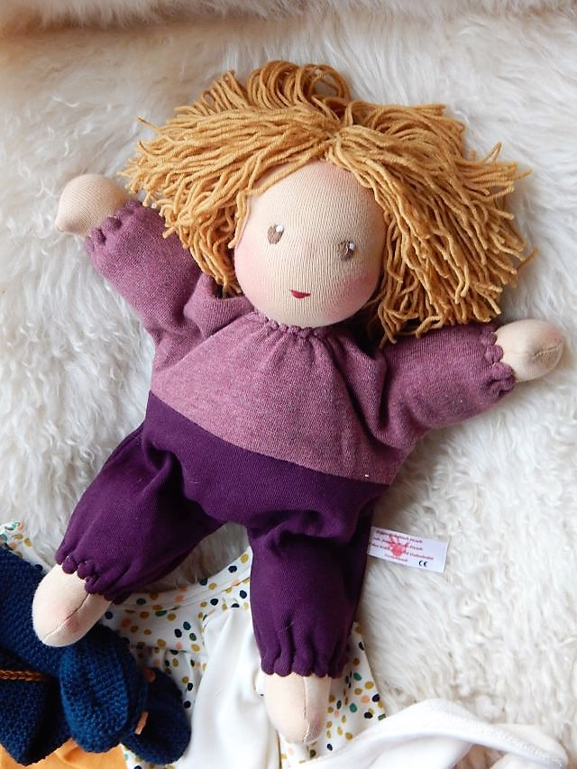 Bio-Stoffpuppe, Schlamperle, Waldorfart, handgemachte Puppe, Handarbeit, erste Puppe, ökologische KInderpuppe, individuelle Puppe passend zum Kind, Wunschpuppe, Puppe nach Wunsch