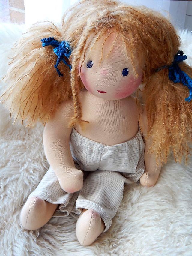Bio-Stoffpuppe, handgemachte Stoffpuppe, ökologische Kinderpuppe, individuelle Puppe passend zum Kind, Wunschpuppe, Puppe nach Wunsch, Waldorfart, Puppenfreundin, Puppenhandwerk