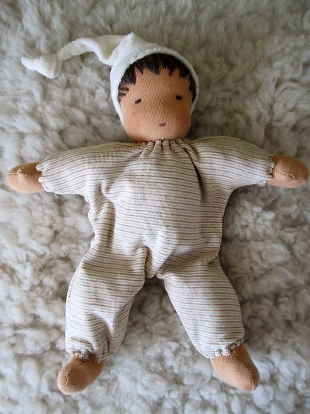 Schlamperle, Bio-Stoffpuppe, handgemacht, erste Puppe, Erstlingspuppe, ökologische Kinderpuppe, Puppenhandwerk, Jennifer Kliem-Pärsch, individuelle Puppe passend zum Kind, Wunschpuppe,