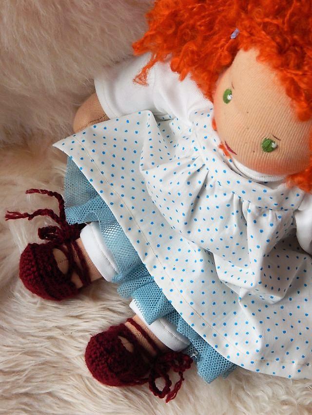 Bio-Stoffpuppe, Ballerina-Stoffpuppe, Ballerinamädchen, Ballett-Puppe, Puppenmädchen, Waldorfart, handgemachte Puppe, Handarbeit, individuelle Puppe passend zum Kind, Wunschpuppe, Puppenhandwerk, Jennifer Kliem-Pärsch, ökologische Kinderpuppe