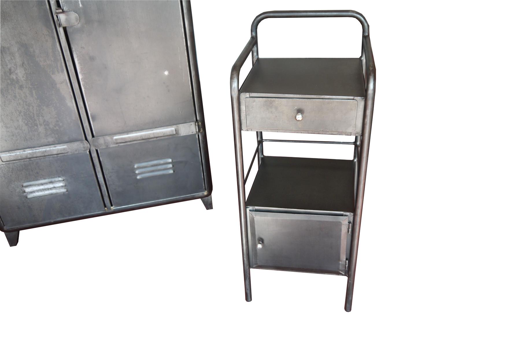desserte chevet industriel atelier vintage mobilier industriel lyon. Black Bedroom Furniture Sets. Home Design Ideas