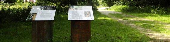 Informationstafeln im Hessepark. Foto: NABU-Woldenhof