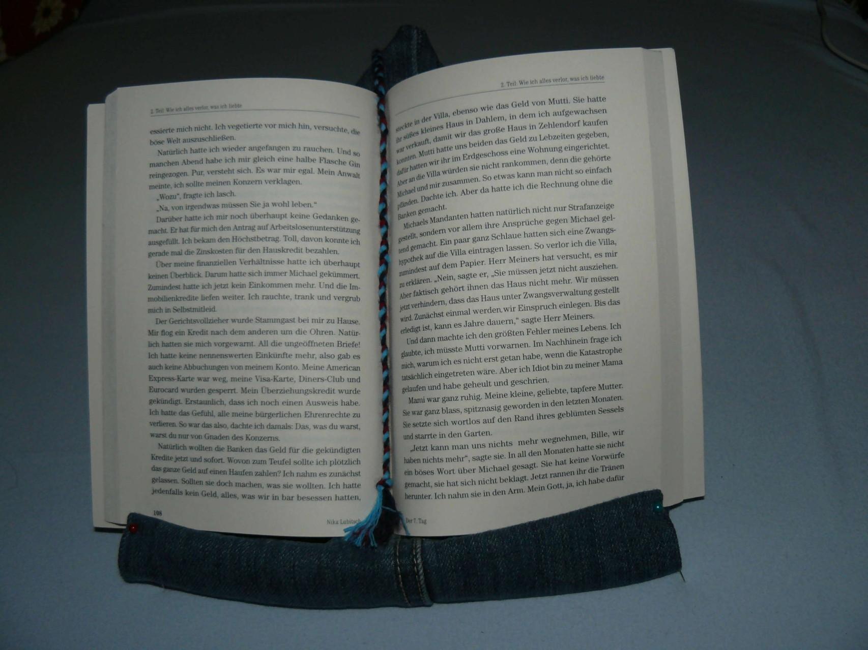 12 klar, mit Lesezeichen .... soll ja auch für Bücher sein