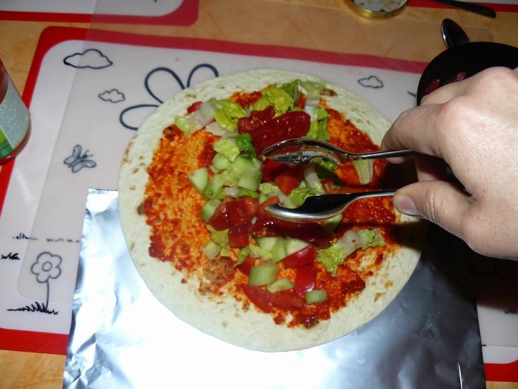 ein wenig Tomate darauf .........