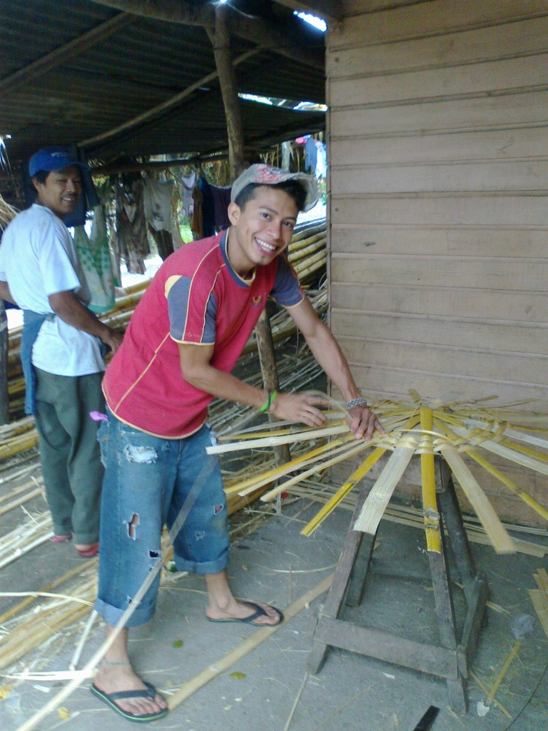 Basket weaver in Catarina