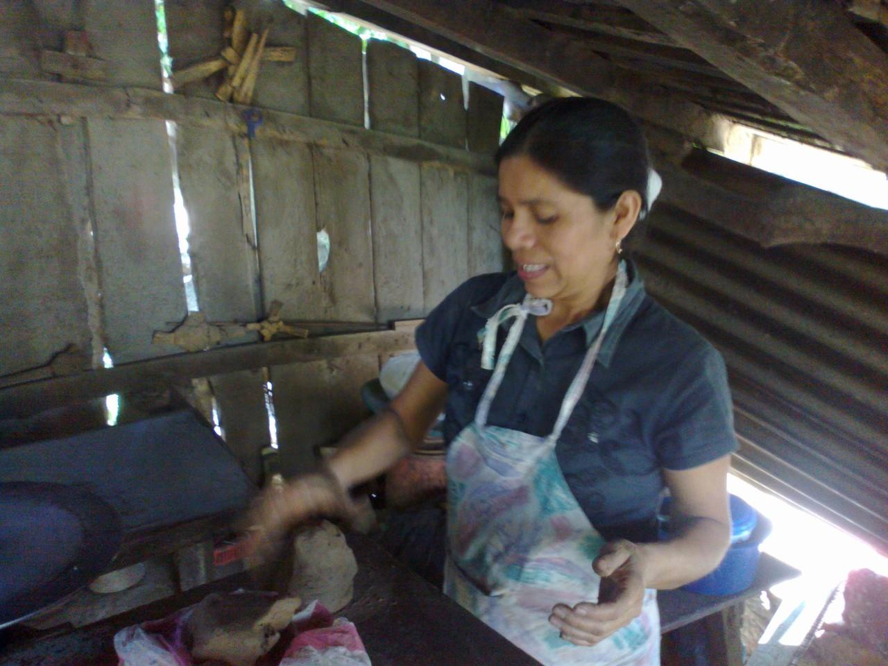 Profesora de ceramica (pottery teacher) in San Juan de Oriente