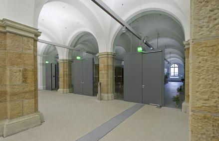Türen im Militärhistorischen Museum als Beispiel für ein Referenzprodukt