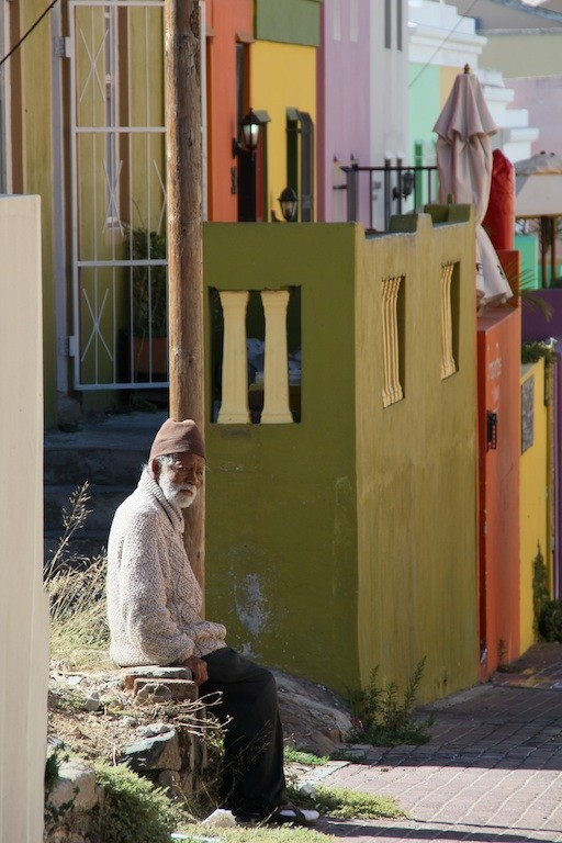 """Bewegte Historie: Muslim in Bo-Kaap, der ältesten Wohngegend Kapstadts, Südafrika."", Martin Betker"