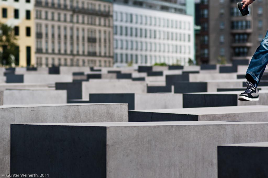 """""""Innehalten an der zentralen Holocaust-Gedenkstätte"""", Gunter Weinerth"""