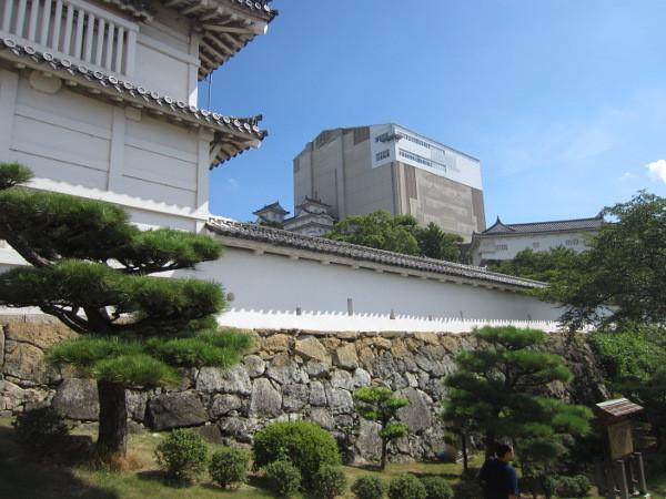 これから姫路城内に入ります