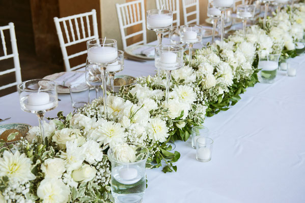 Allestimento floreale sui tavoli