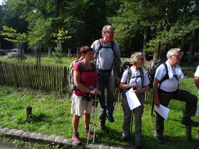 Jean Paul présente nos guides locaux du jour (Randonneurs du Verdunois)