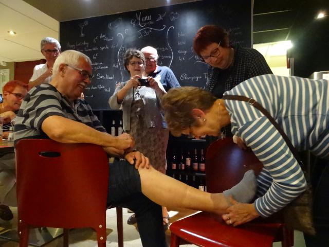 L'éclopé profite d'un massage efficace