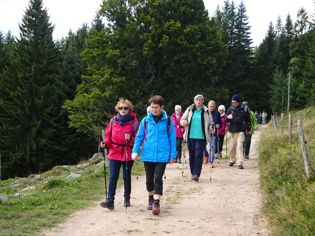 Les 2 groupes vers le Col de Wettstein