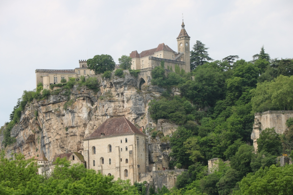 Il va falloir monter en haut de Rocamadour