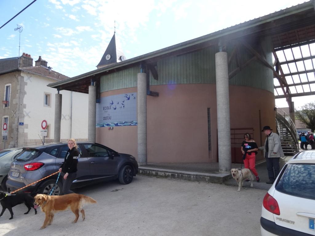 Ravitaillement à l'Ecole de Trondes pour les parcours 15-20 km