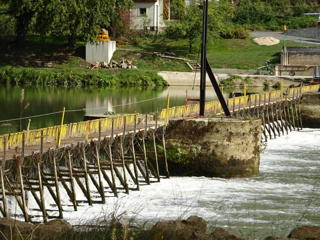 Barrage à aiguilles sur la Meuse