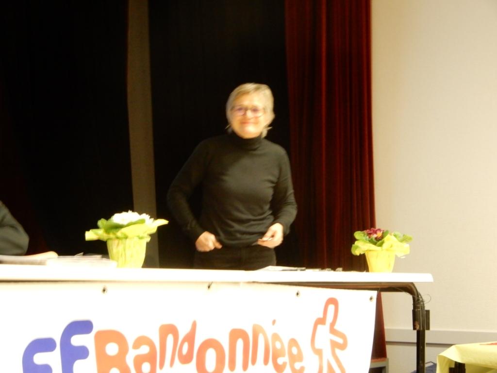 Mme BERTAUX Conseillère Départementale fait une intervention sur les tiques et la maladie de Lyme