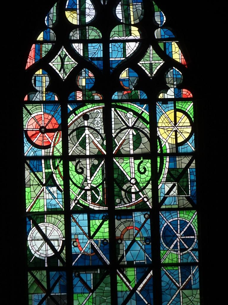 Vitraux de la basilique de Mézières