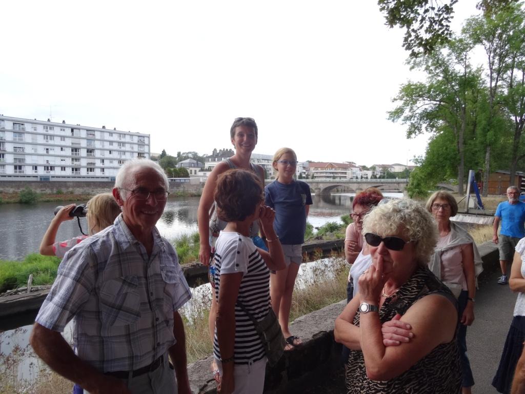 Les spinaliens Elise et Ronan ont organisé la visite.