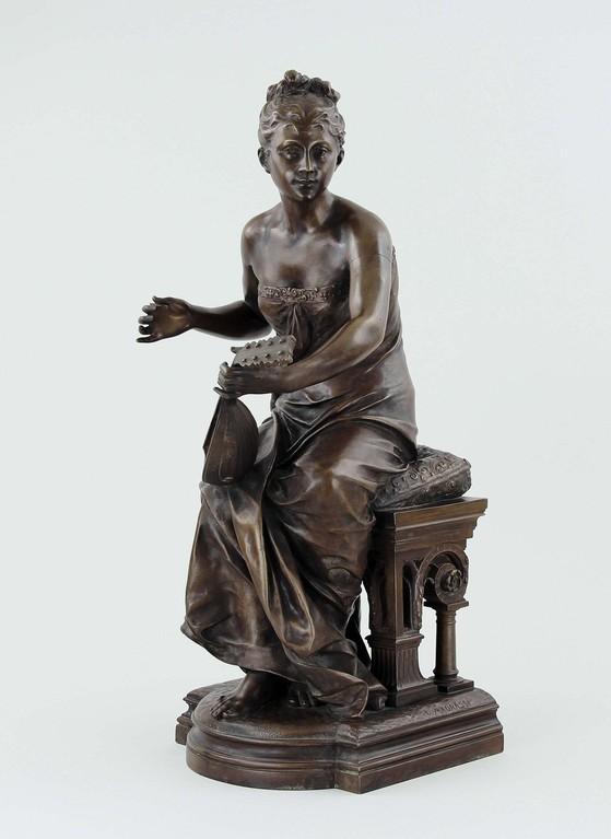 Bronze-Skulptur 'Lautenspielerin' von Luca Madrassi, Erlös 1900€