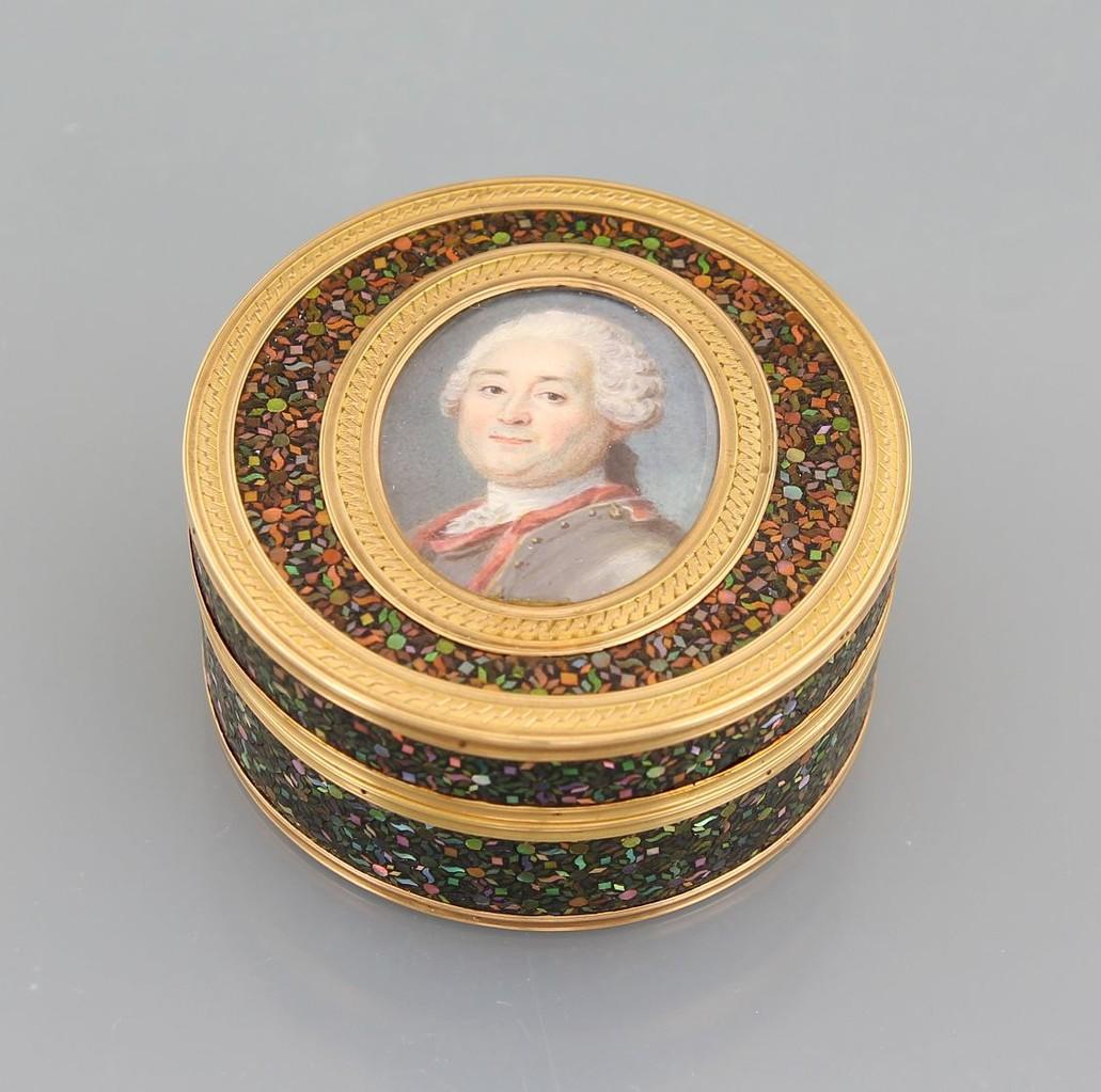 Tabakdose Schildpatt mit Portrait-Miniatur, Erlös 1.700 €
