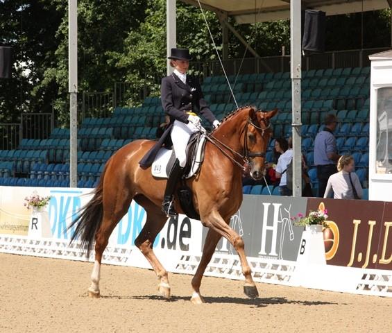 Caroline Wilm auf First Class - Platz 2