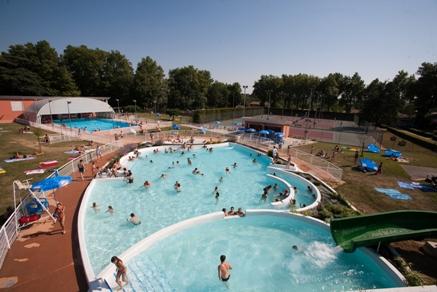 Gites des Camparros à Nailloux : piscine de Villefranche de Lauragais