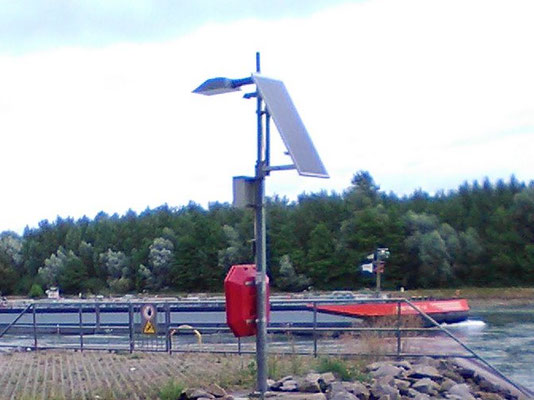 Solar modules for lighting on the Rhine - reliable electricity for street lamps even in remote places around the world with SOLARA!