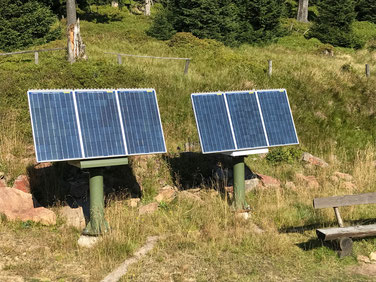 Perfect solar power to supply turnouts on the train. Solar panels and solar cells for solar systems for point control in railway technology, signal technology, lighting systems and industrial systems. Outdoor solar panels for the power supply.