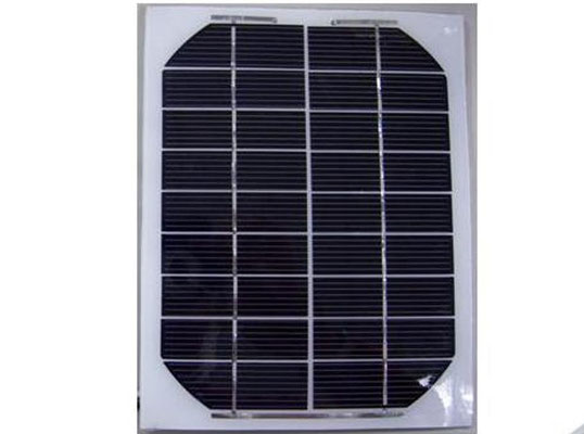Solar modules with solar cells in different sizes, voltages (volts), currents (amps) and power (watts) for various applications.