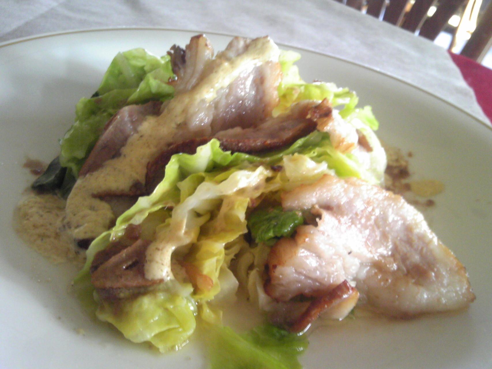 キャベツと豚ロースの温サラダ 自家製パンチェッタとアンチョビーソース