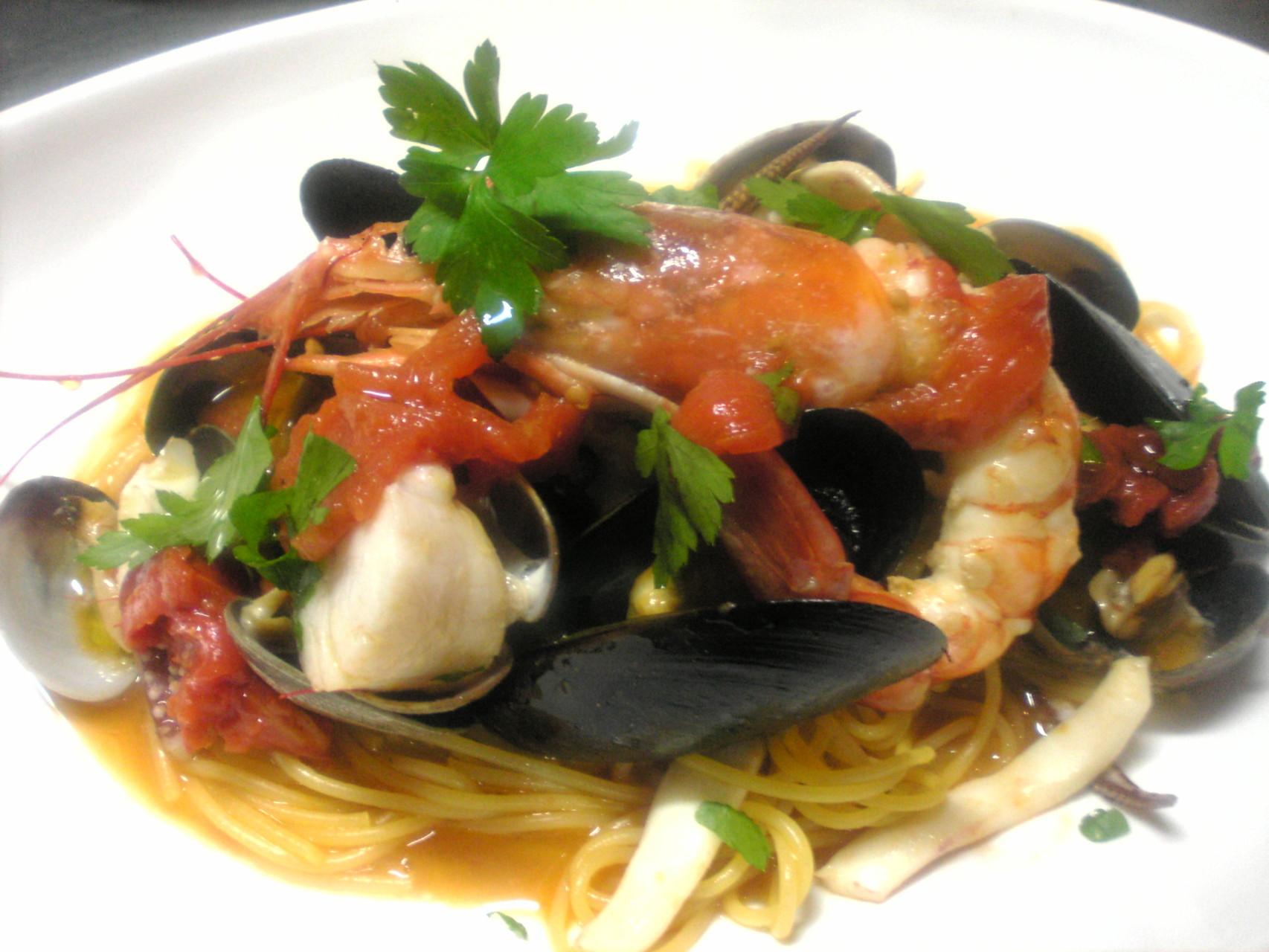 魚介のスパゲッティトマト風味¥2000