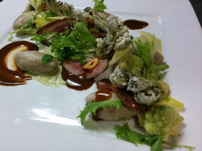 か~るくスモークした鴨と春山菜とそば粉のニョッキゴルゴンゾーラソースとスーゴディカルネ