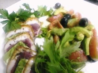 合鴨と自家製チーズのテリーヌ ・フルーツトマトアボカドとオリーブのサラダ