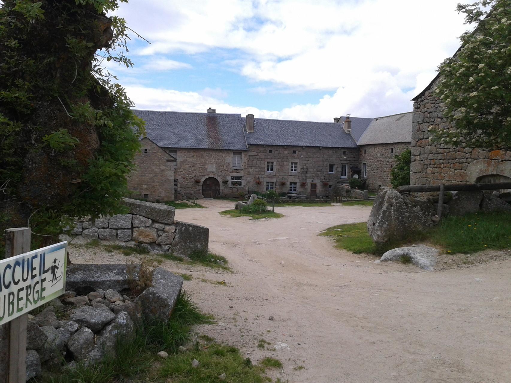 Le Sauvage sur le GR 65 Gîte d'étape Centre La Margeride, Saugues, Haute-Loire