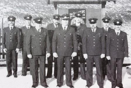 1983 besteht die Feuerwehr aus 9 aktiven Mitgliedern, v.l.n.r. Hans Weich, Hermann Brück, Albert Meier, Helmut Hetzius, Klaus Erschfeld, Marco Brück, Karl Bialojan, Alwin Brück und Peter Paas