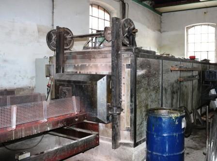 Der alte Brennofen mit neuer Elektronik, wird für Messingrohre genutzt, die aufgrund dessen einfacher zu verarbeiten sind
