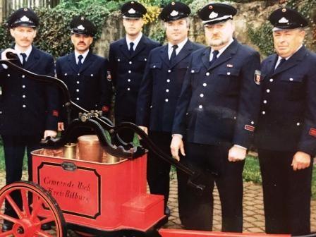 2001 sind 6 Mitglieder um den Brandschutz bemüht, v.l.n.r. Peter Paas, Hans Weich, Marco Brück, Klaus Erschfeld, Karl Bialojan, Albert Meier