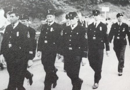 1964 Feuerwehr Usch beim Amtsfeuerwehrfest in Zendscheid, v.l.n.r. Bernhard Brakonier, Anton Platzer, Jakob Berscheid, Karl Klaes, Alois Brück und Karl Paas