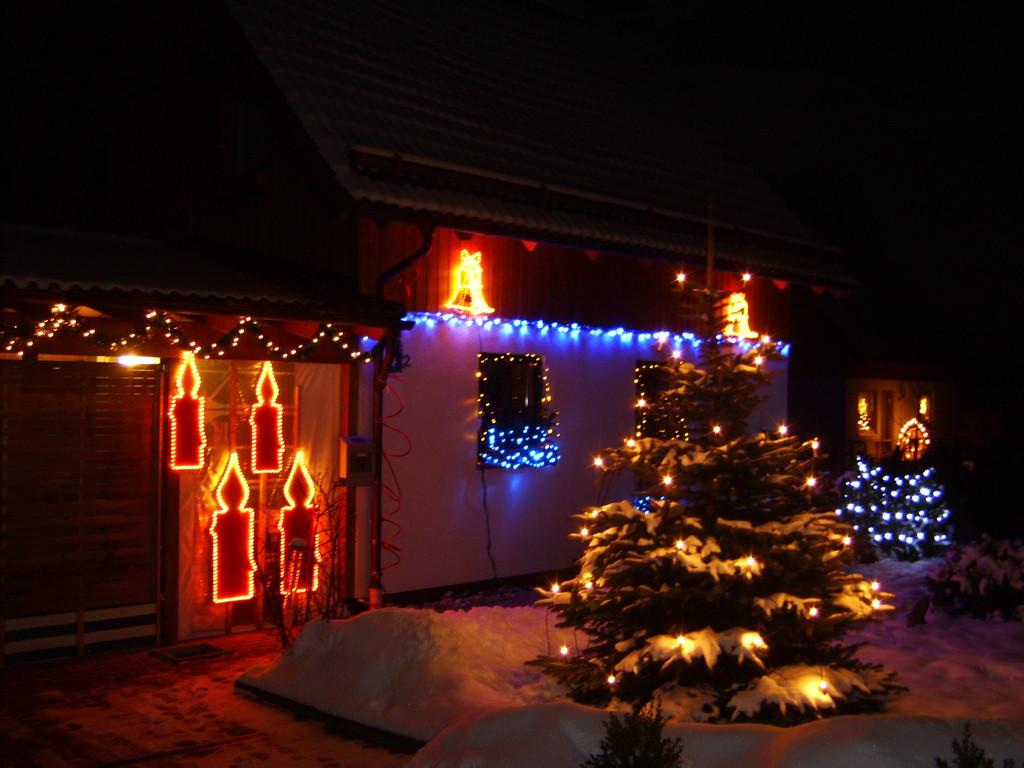 Weihnachten 2008 mit toller Aussenbeleuchtung