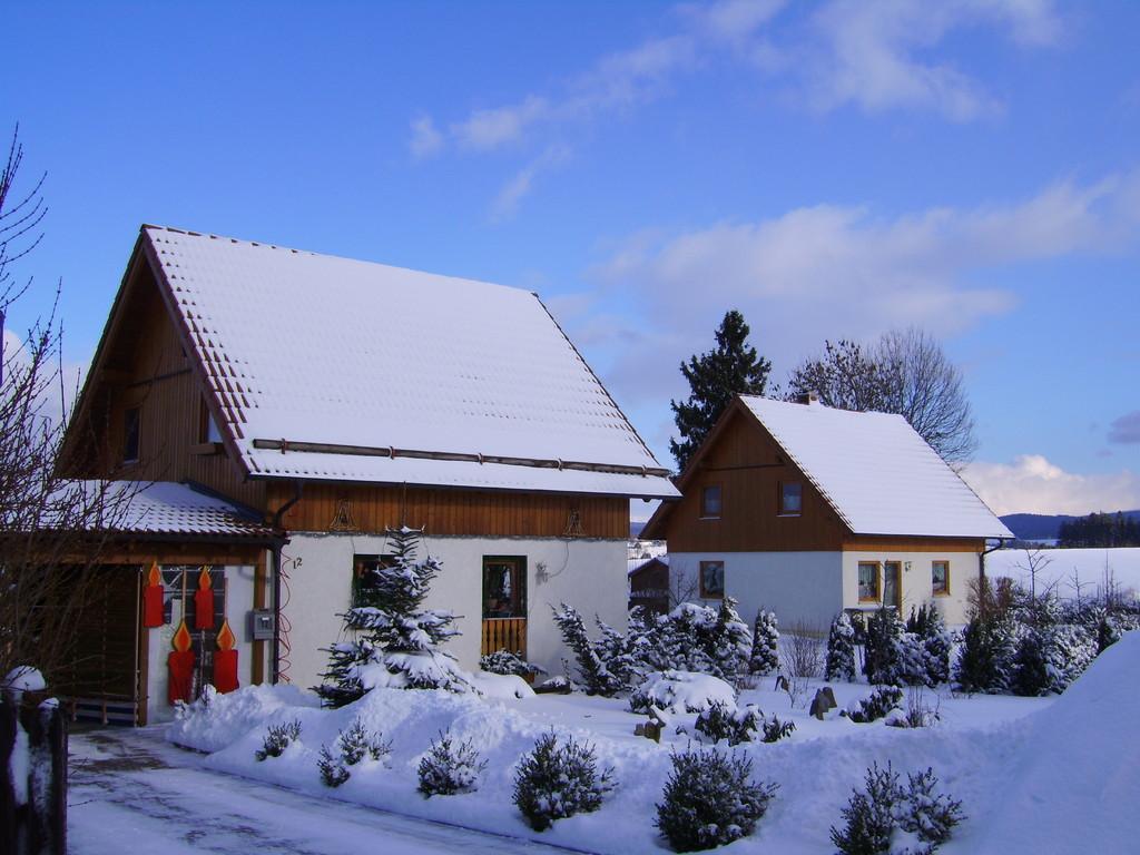 12.02.09 Mein Haus im Winter neben an mein Nachbar