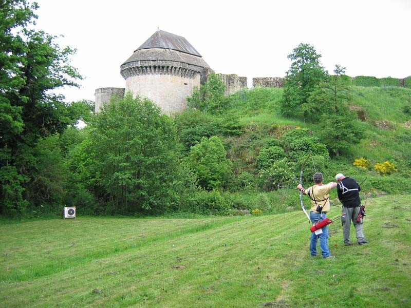 Campagne chateau de Tiffauges 2006