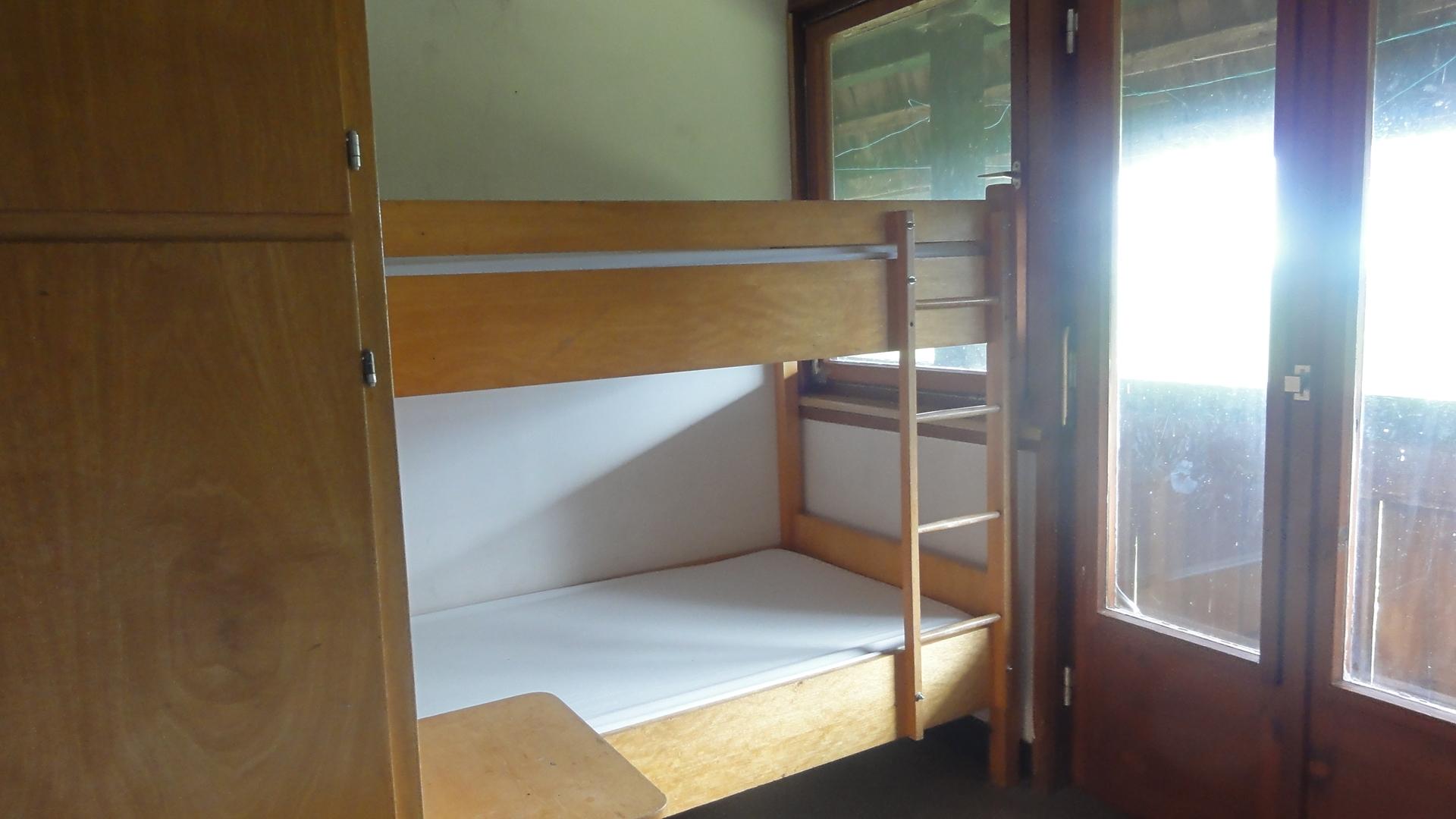 gleich mit Doppelstockbett