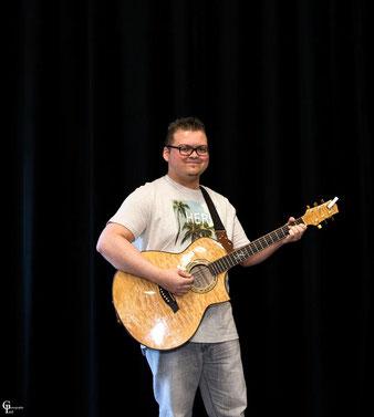 Loïc : Guitare